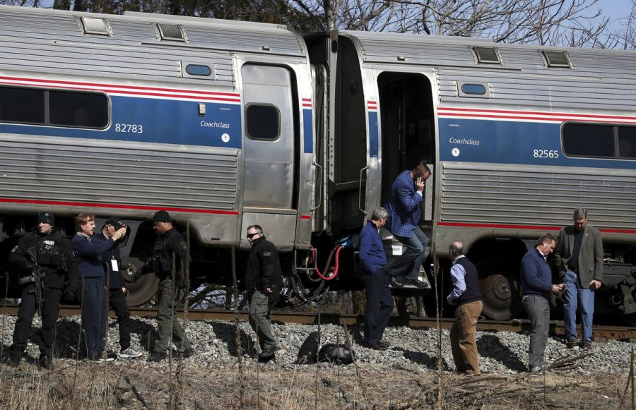 Amtrak+Carrying+GOP+Members+Hits+Garbage+Trucks